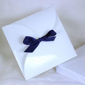Faire part Mariage 49471B Blanc Croco Aida Faire Part Selection