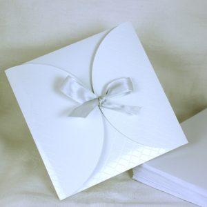 Faire part Mariage 49471G Blanc Croco Aida Faire Part Selection